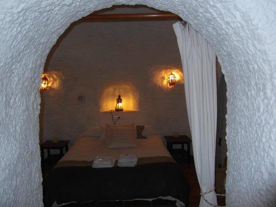 Cuevas El Abanico : Double bedroom