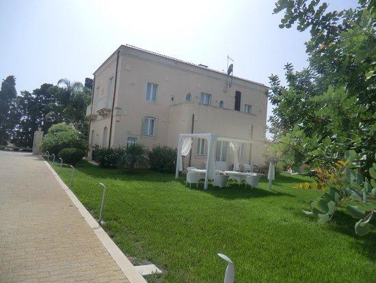 Hotel Villa Fanusa: Struttura
