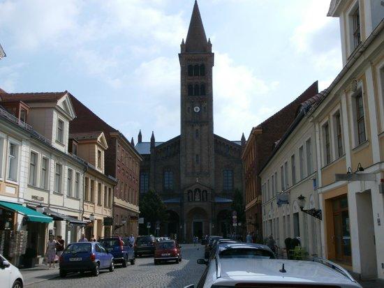 St. Peter und Paul Kirche : Church exterior