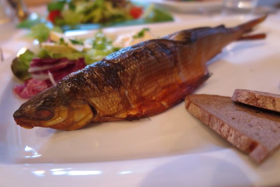 Seewirt Zauner: Grilled fish from the lake