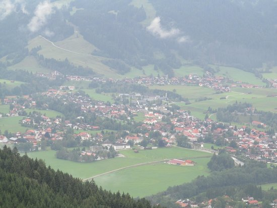 Das Burghotel Falkenstein : View of town from room terrace