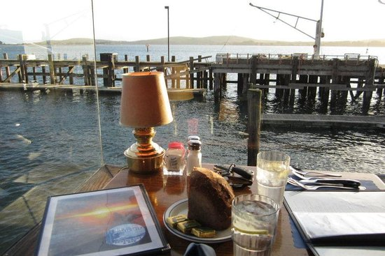 Lucas Wharf Restaurant: Intimate Dining with a View
