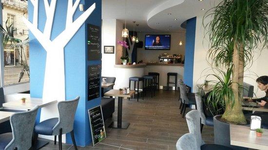 Cafe de L'Ecluse