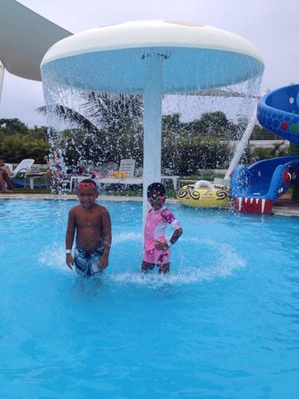 Los Delfines Water & Entertainment Park: Dentro de la picina infantil