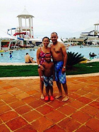 Los Delfines Water & Entertainment Park: La familia en diversión