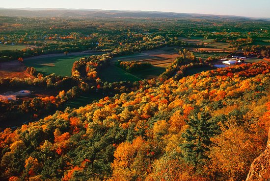 Connecticut: Talcott Mountain in Simsbury, CT