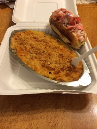 Dock's Seafood: Lobster Mac and Cheese and Lobster Roll!