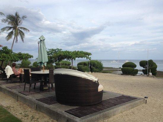 Dive Thru Scuba Resort - Bohol: Fronte spiaggia