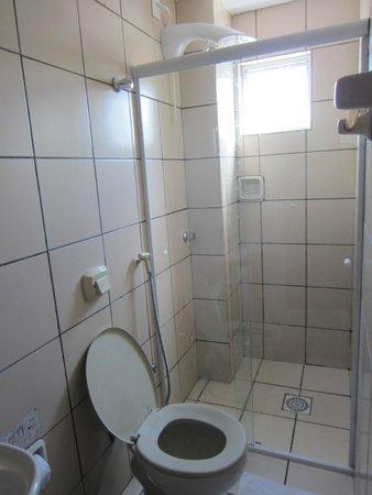 Master Hotel: Bathroom