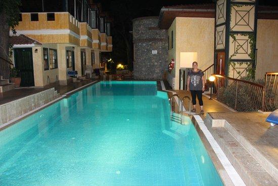 Belle Vue Hotel : Am Abend