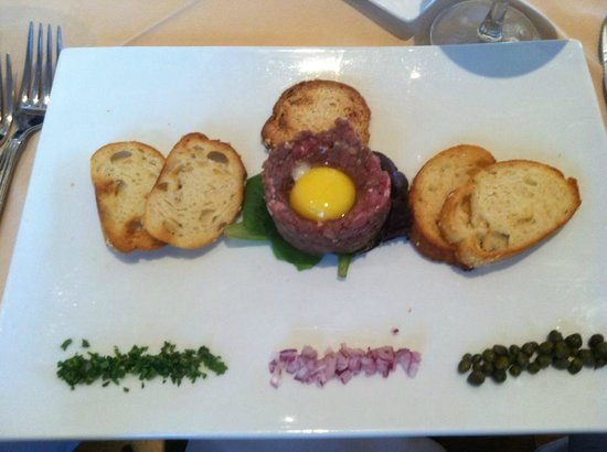 Char's at Tracy Mansion: steak tartar
