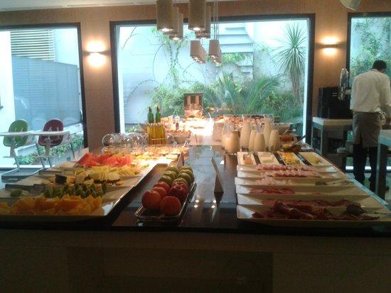 NH Madrid Príncipe de Vergara: Desayuno Buffet
