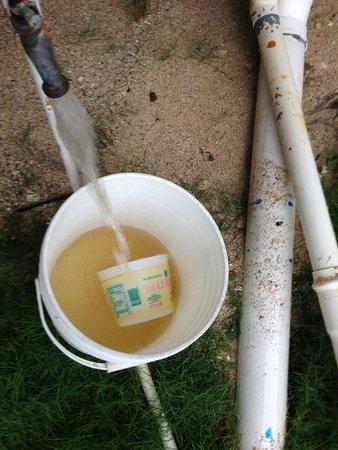 Sapibenega The Kuna Lodge: no salia agua en el baño y afuera salia sucia