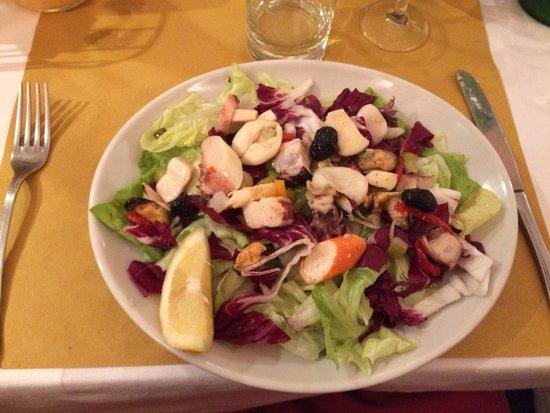 Ornelli Ristorante Caffe: Salada a Pescatori