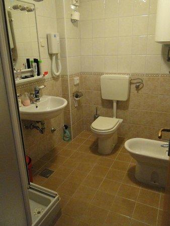 Horizont Golden Rocks Resort: Bathroom