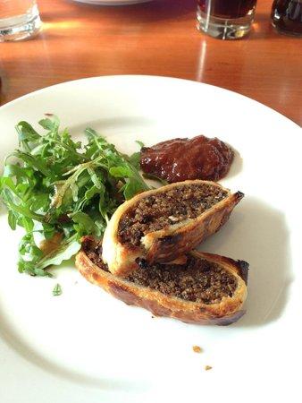 Mussel and Steak Bar: Haggis Wellington