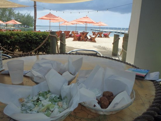 KAIBO Beach Bar & Grill : Lunch with a view.  Perfect!