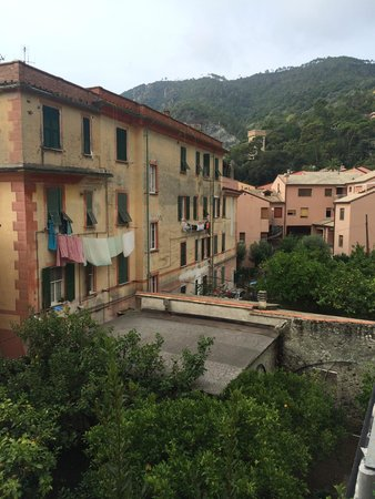 Camere/ Rooms Le Sirene & Raggi di Sole: The view from room 15.