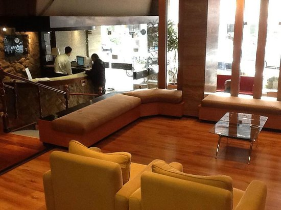 Sunset Hotel San Carlos Bariloche: Lobby del Hotel Sunset