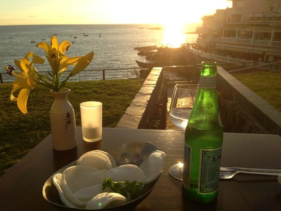 Restaurant 88: A view from the outside tables over the bay to La Gomera in the distance