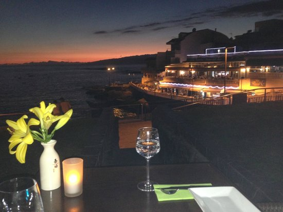 Restaurant 88: The sunset view from an outside table over the bay