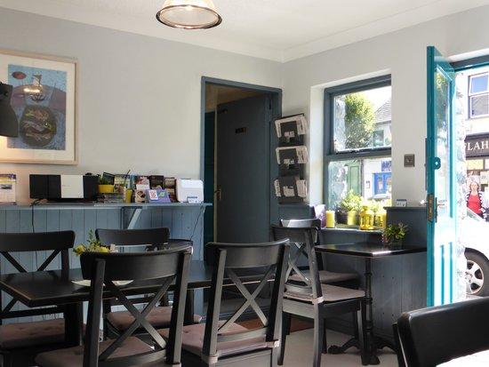 Connemara Greenway Café & Restaurant: fresh decor