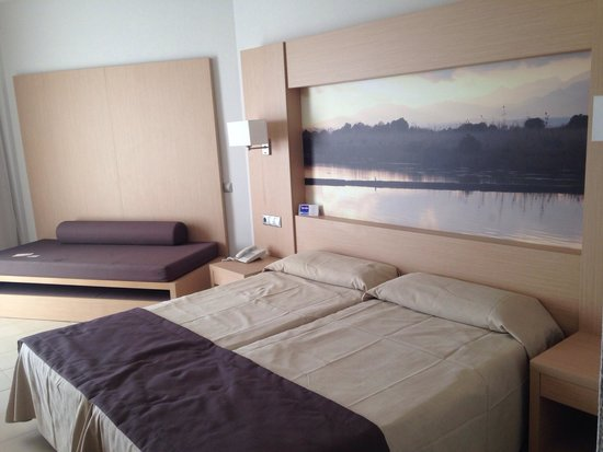 Eix Lagotel: Room