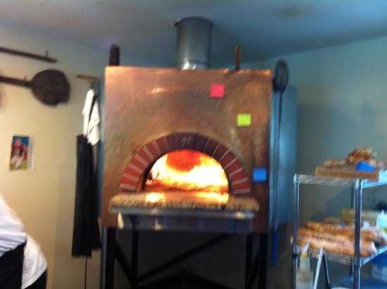 Fresh Wood Fired Pizza and Pasta : Fresh's wood fire oven is HOT!
