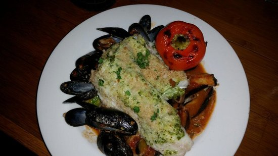 Phat Cats Bistro: Fresh haddock w/PEI mussels in spicy tomato sauce over angel hair.