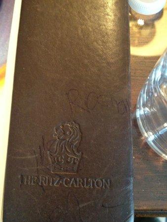 The Ritz-Carlton Golf Resort, Naples : escritorio rayado