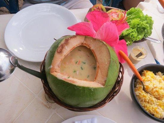 Cabana Ariramba: Camarão no côco verde