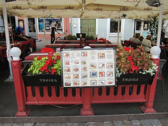 Restoran Troika: Terraza del restaurante.