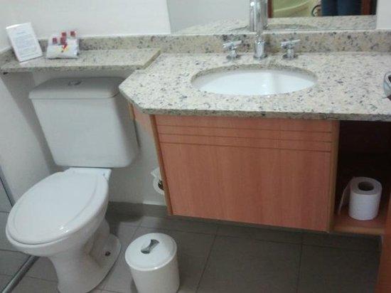 Villa Rosa Hotel: Banheiro