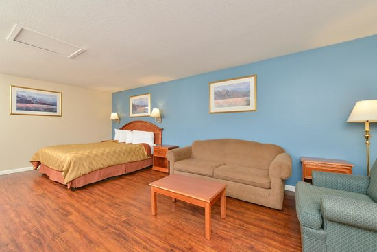 Americas Best Value Inn & Suites: King Jacuzzi Suite