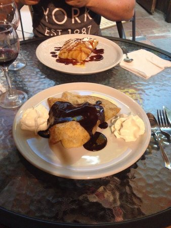 Crepes'n Tapas Bar : Best crepes I have ever had ��