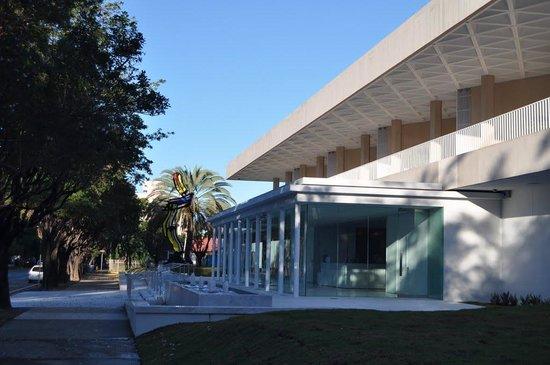 Museo de Arte de Ponce: Museum Front Entrance