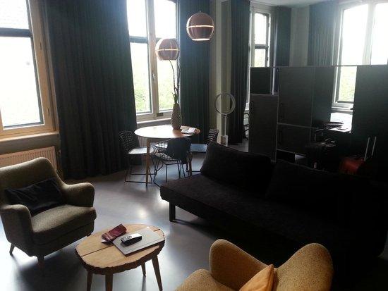 Hotel V Frederiksplein: Lounge/dining area