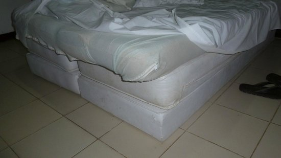Hotel Quarup Praia: cama... ...sem comentários
