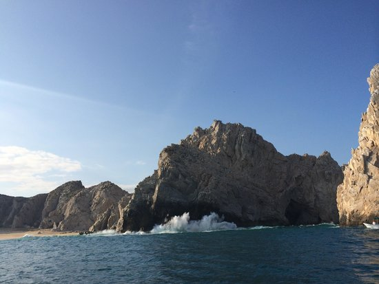 Cabo Sails: Crashing waves on the Pacific side of the Arch