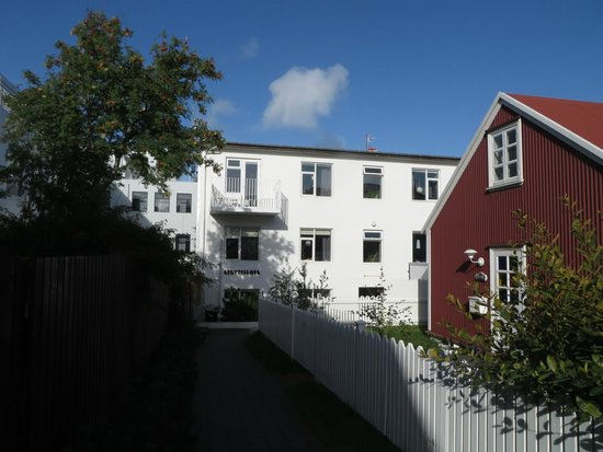 Grettisborg Apartments: approaching from the street