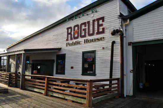 Rogue Ales Public House: Exterior