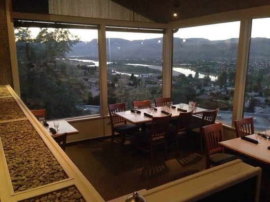 Chapters Viewpoint Restaurant : View inside restaurant