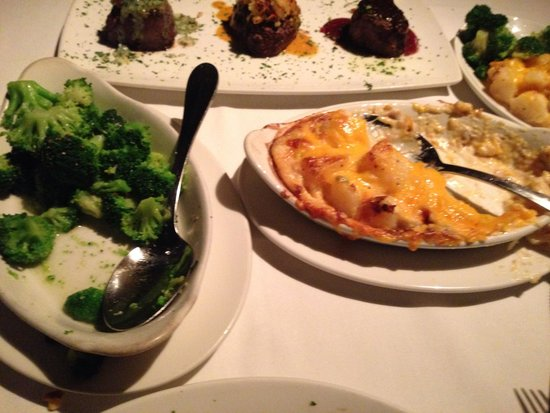 Del Frisco's Double Eagle Steak House: Au gratin potatoes and broccoli sides