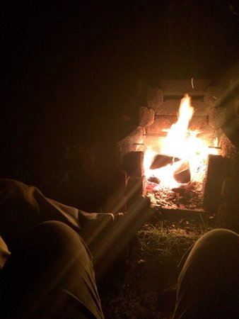 Oxbow Lake Motel: Sitting by the fire