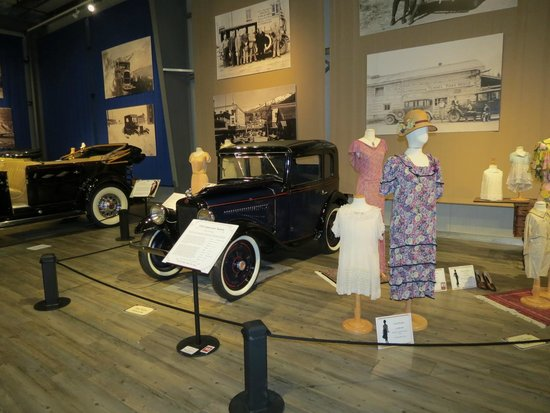Fountainhead Antique Auto Museum: This is only a sample of what is there.