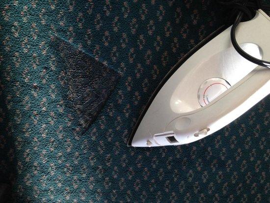 Travelodge San Francisco Airport North: Iron?