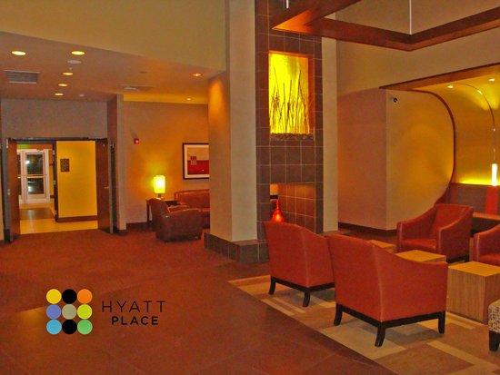 Hyatt Place Coconut Point : Lobby