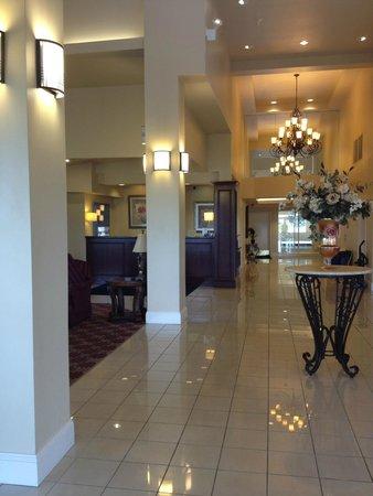 Holiday Inn Express Mystic : Entrance