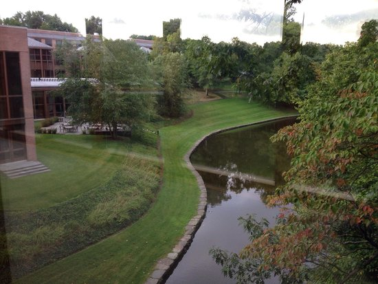 HNA Palisades Premier Conference Center: View from hall to rooms