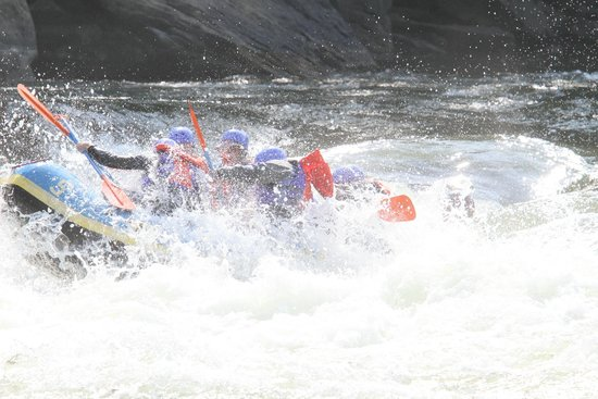 Cantrell Ultimate Rafting : White water rafting